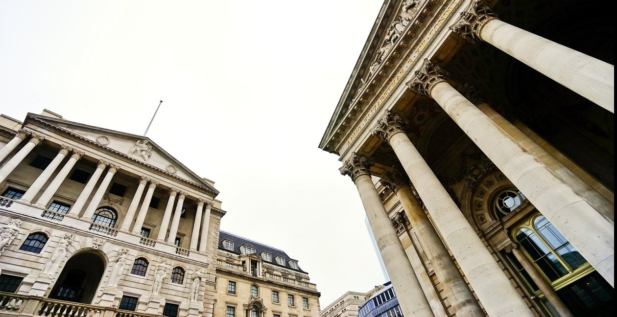 iStock-682308066 Bank of England Royal Exchange (Medium res)